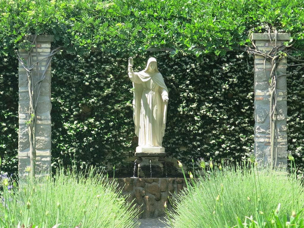 santa-chiara-statua