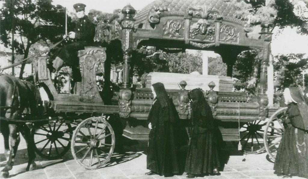 Corteo-funebre