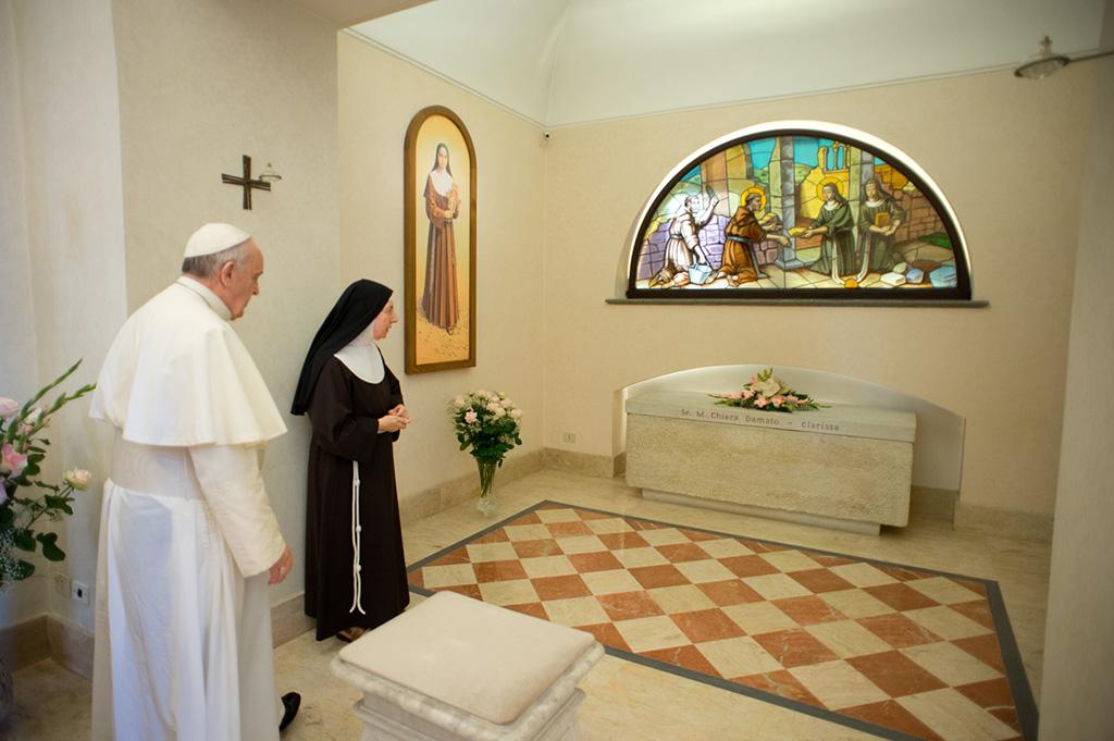 Papa-Francesco-Sr.Chiara